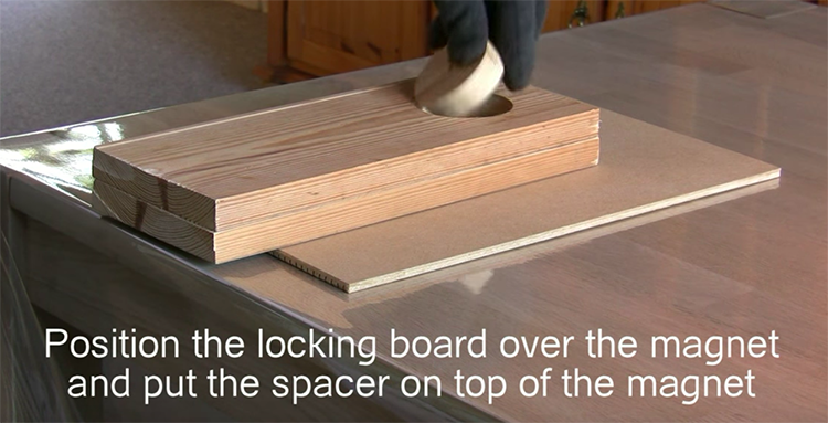 locking board with space